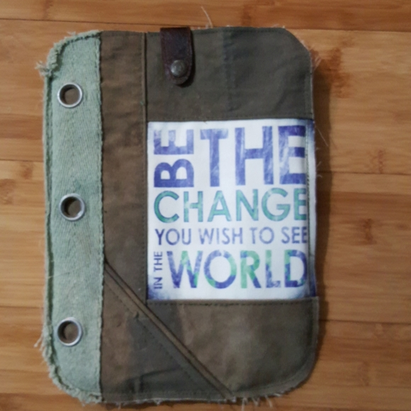 Vintage Addiction Tablet Sleeve